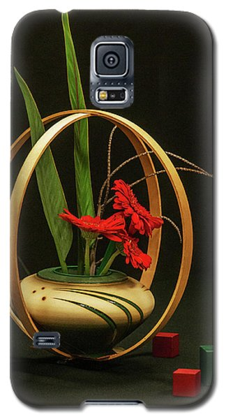 Galaxy S5 Case featuring the photograph Flow Ikebana by Carolyn Dalessandro