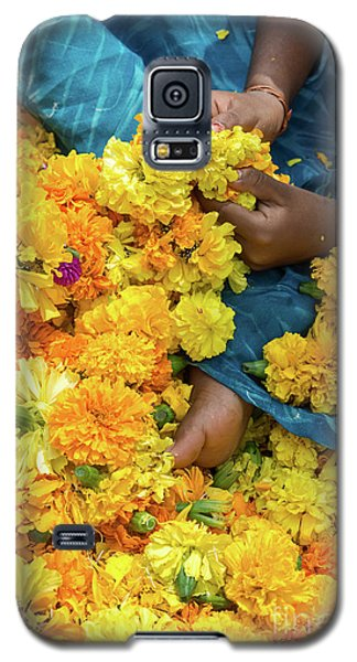 Galaxy S5 Case featuring the photograph Flower Child by Tim Gainey