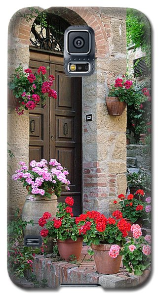 Flowered Montechiello Door Galaxy S5 Case