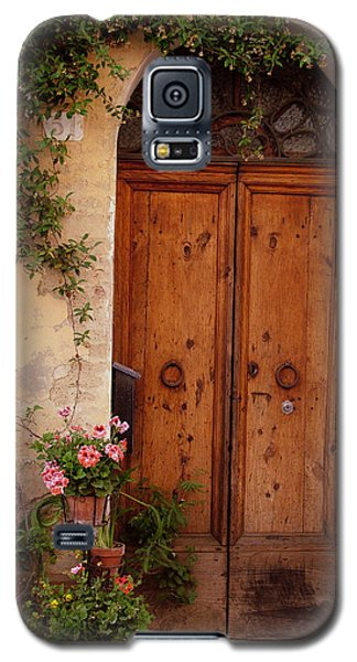 Flowered Tuscan Door Galaxy S5 Case
