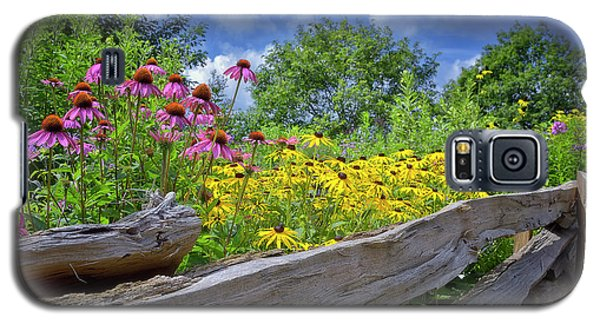 Flowers Along A Wooden Fence Galaxy S5 Case