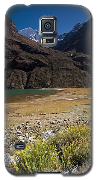 Flowers And Mountain Lake In Santa Cruz Valley Galaxy S5 Case