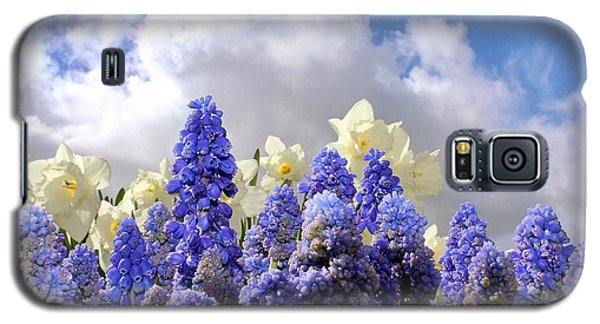Flowers And Sky Galaxy S5 Case