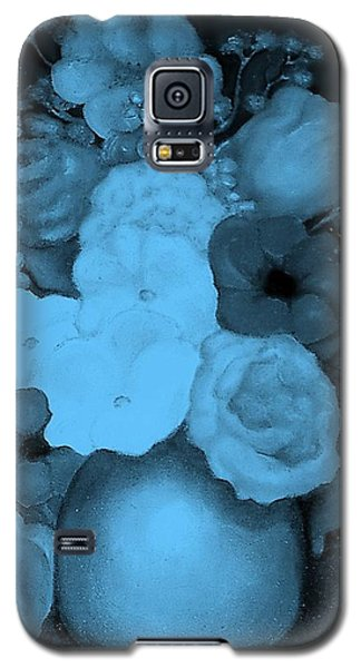 Flowers In Blue Galaxy S5 Case