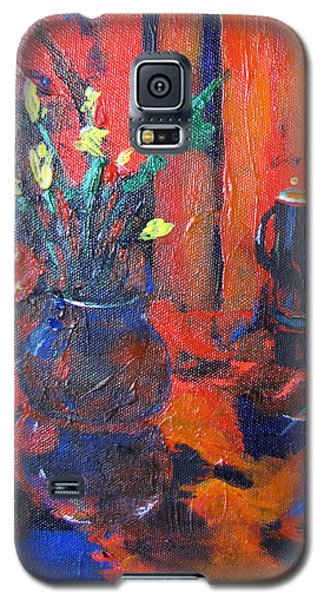 Flowers In Blue Vase Galaxy S5 Case by Gary Smith