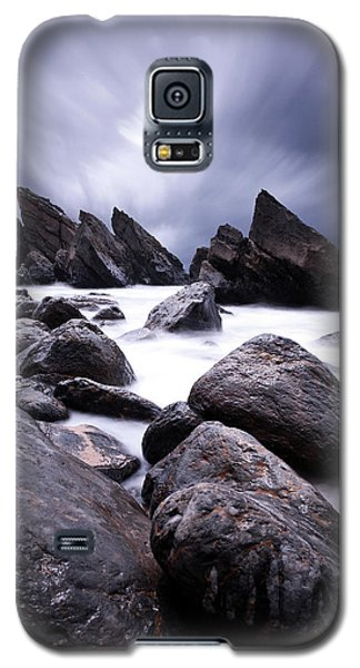 Galaxy S5 Case featuring the photograph Flowing by Jorge Maia