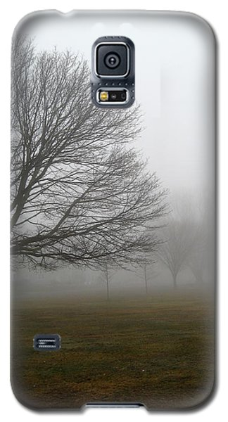 Galaxy S5 Case featuring the photograph Fog by John Scates