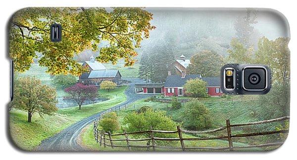 Fog On Sleepy Hollow Farm Galaxy S5 Case
