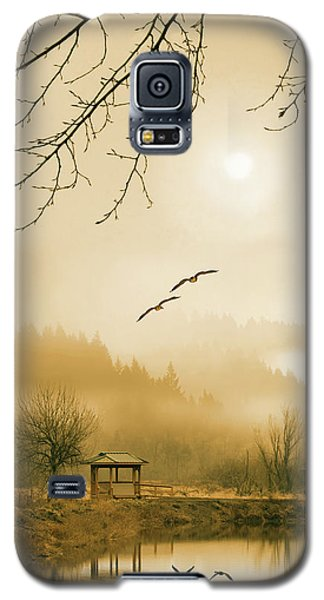 Foggy Lake And Three Couple Of Birds Galaxy S5 Case