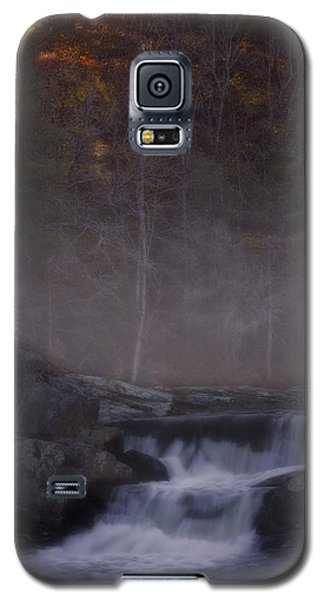 Galaxy S5 Case featuring the photograph Foggy Morning At Linville Falls by Ellen Heaverlo
