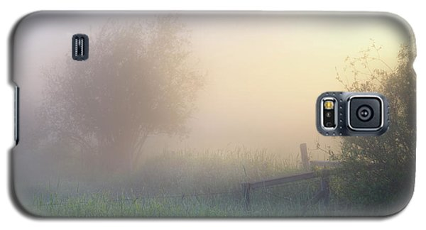 Galaxy S5 Case featuring the photograph Foggy Morning by Dan Jurak