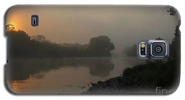 Foggy Morning Red River Of The North Galaxy S5 Case by Steve Augustin