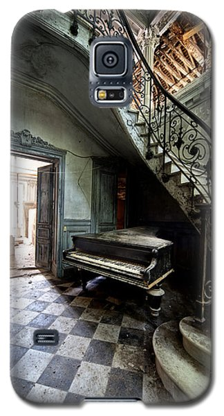 Forgotten Ancient Piano - Urban Exploration Galaxy S5 Case