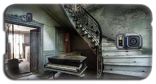 Galaxy S5 Case featuring the photograph The Sound Of Decay - Abandoned Piano by Dirk Ercken