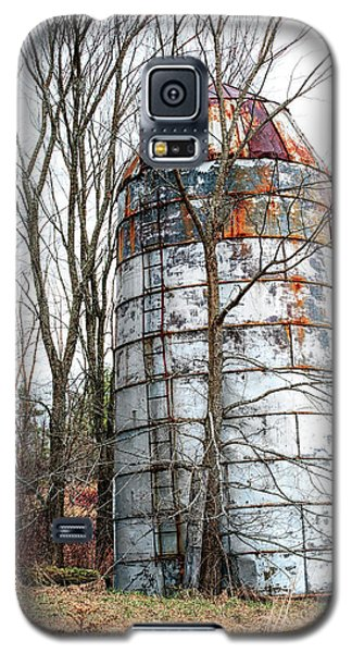 Galaxy S5 Case featuring the photograph Forsaken by Richard Bean
