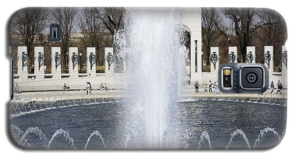 Fountains At The World War II Memorial In Washington Dc Galaxy S5 Case
