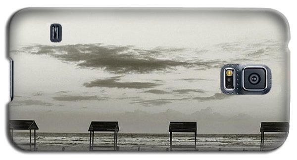 Four On The Beach Galaxy S5 Case by Sebastian Mathews Szewczyk