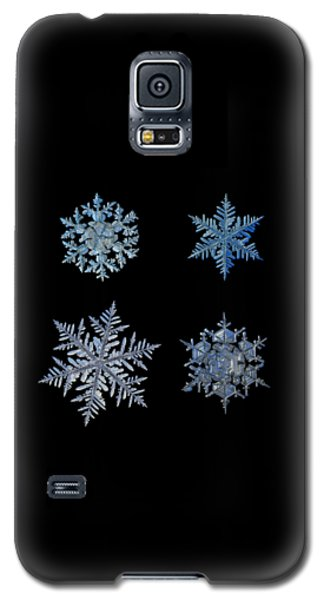 Four Snowflakes On Black Background Galaxy S5 Case