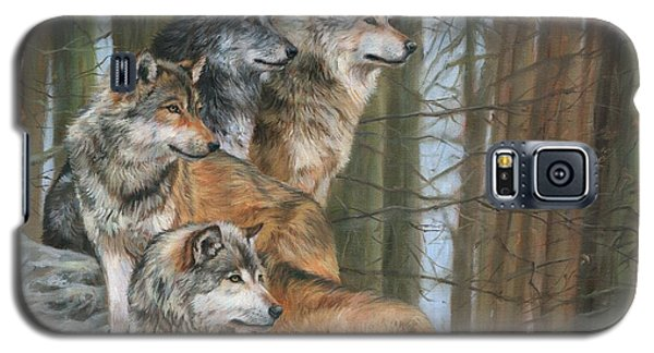 Galaxy S5 Case featuring the painting Four Wolves by David Stribbling