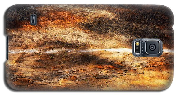 Galaxy S5 Case featuring the photograph Fractured by Ryan Manuel