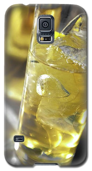 Galaxy S5 Case featuring the photograph Fresh Drink With Lemon by Carlos Caetano