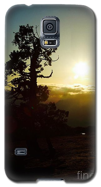 Galaxy S5 Case featuring the photograph Front Row Seat by Paul Foutz