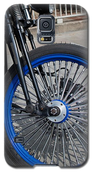 Front Wheel With Blue Rims And Fat Chrome Spokes Of Vintage Styl Galaxy S5 Case