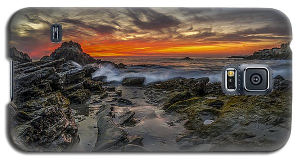 Galaxy S5 Case featuring the photograph Front Yards Of Laguna Beach by Sean Foster