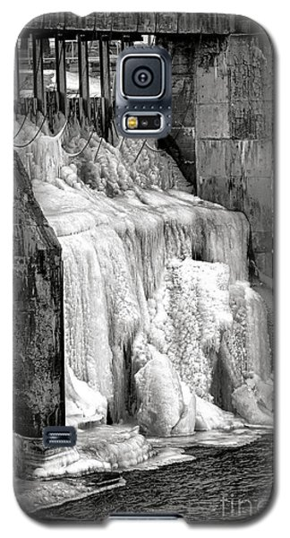 Galaxy S5 Case featuring the photograph Frozen Power by Olivier Le Queinec