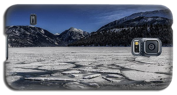 Galaxy S5 Case featuring the photograph Frozen Wallowa Lake by Cat Connor