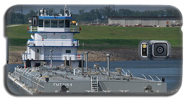 Fuel Barge On The Mississippi R Galaxy S5 Case by Garry McMichael