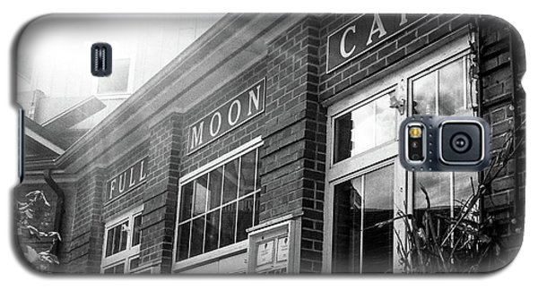 Galaxy S5 Case featuring the photograph Full Moon Cafe by David Sutton