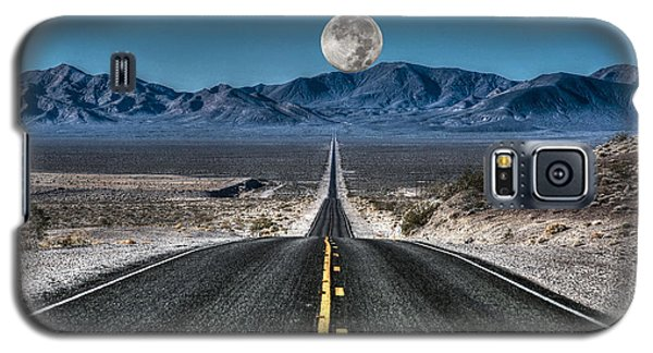 Full Moon Over Death Valley Galaxy S5 Case