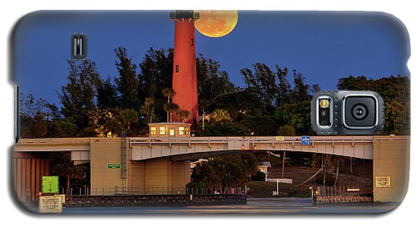 Full Moon Over Jupiter Lighthouse, Florida Galaxy S5 Case by Justin Kelefas