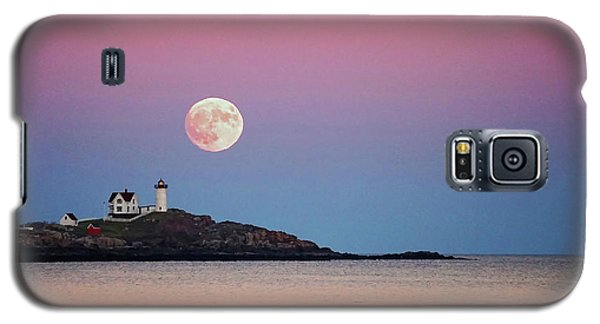 Full Moon Rising At Nubble Light Galaxy S5 Case