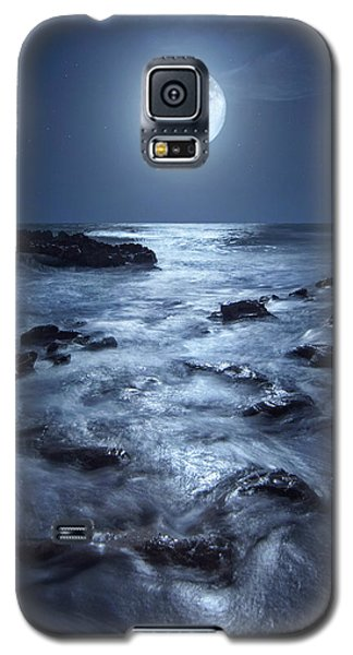 Full Moon Rising Over Coral Cove Beach In Jupiter, Florida Galaxy S5 Case by Justin Kelefas