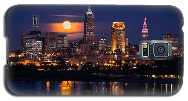 Full Moonrise Over Cleveland Galaxy S5 Case