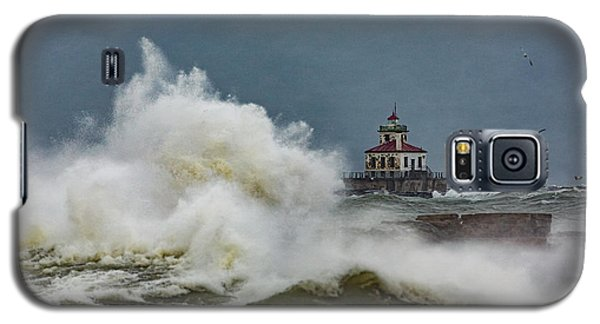 Galaxy S5 Case featuring the photograph Fury On The Lake by Everet Regal