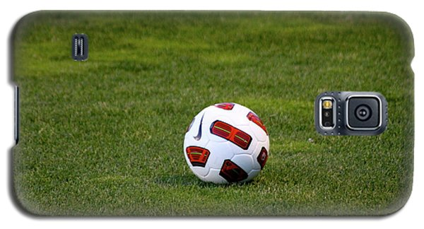 Galaxy S5 Case featuring the photograph Futbol by Laddie Halupa
