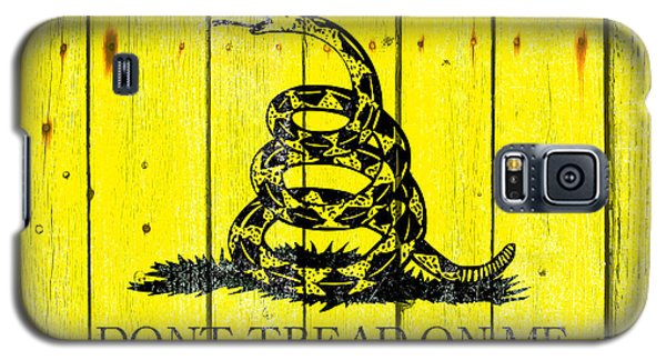 Gadsden Flag On Old Wood Planks Galaxy S5 Case