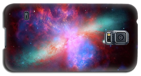 Galaxy S5 Case featuring the photograph Galaxy M82 by Marco Oliveira