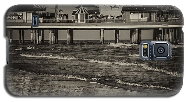 Galveston Pleasure Pier - Black And White Galaxy S5 Case