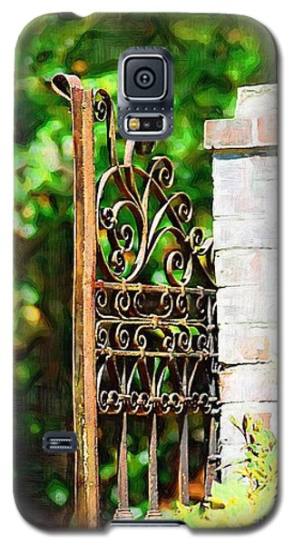 Galaxy S5 Case featuring the photograph Garden Gate by Donna Bentley