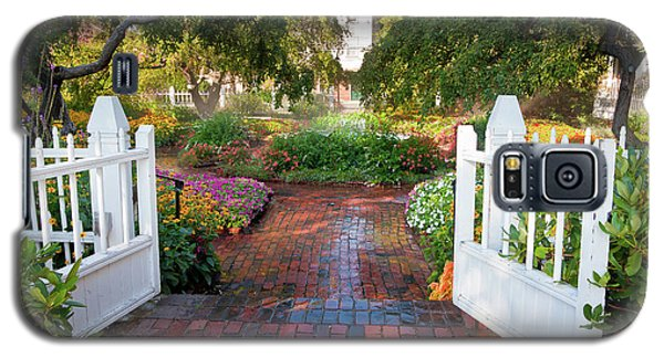 Galaxy S5 Case featuring the photograph Garden Gate by Susan Cole Kelly