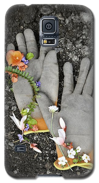 Garden Gloves And Flower Blossoms Galaxy S5 Case