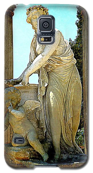 Galaxy S5 Case featuring the photograph Garden Goddess by Lori Seaman