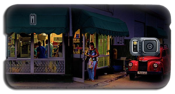 Galaxy S5 Case featuring the photograph Gasolinera Linea Y Calle E Havana Cuba by Charles Harden