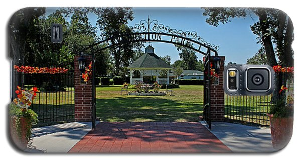 Galaxy S5 Case featuring the photograph Gazebo At Celebration Park by Judy Vincent