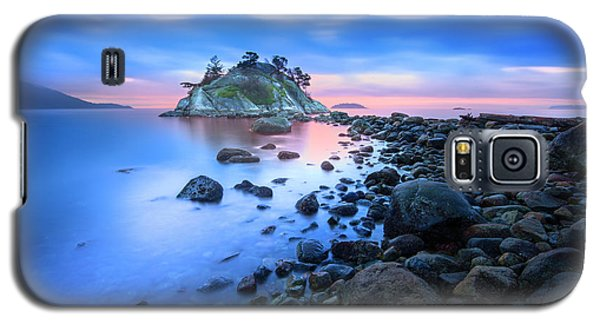 Galaxy S5 Case featuring the photograph Gentle Sunrise by John Poon