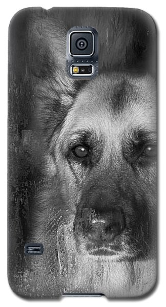Galaxy S5 Case featuring the photograph German Shepherd In Black And White by Eleanor Abramson